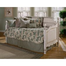 <strong>Hillsdale Furniture</strong> Wilshire Daybed Set