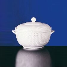 Nantucket Basket 176 oz. Tureen