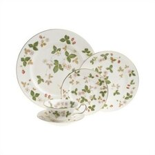 Wild Strawberry Dinnerware Set