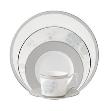 <strong>Wedgwood</strong> Patina Platinum 5 Piece Place Setting