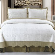 <strong>Lavish Home</strong> Jeana Embroidered Quilt Set