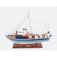 <strong>Old Modern Handicrafts</strong> La Confiance Painted Model Boat