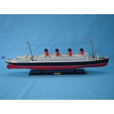 RMS Aquitania Limited Model Ship