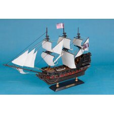 <strong>Handcrafted Model Ships</strong> Caribbean Pirate Model Ship