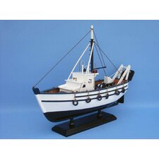<strong>Handcrafted Model Ships</strong> Seaworthy Fishing Model Boat
