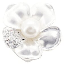 <strong>Fantasyard</strong> Flower Cultured Pearl Brooch