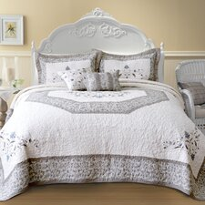 Agnes Bedding Collection