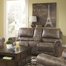 <strong>Signature Design by Ashley</strong> Evansville Reclining Loveseat
