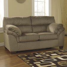 <strong>Signature Design by Ashley</strong> Chelsea Loveseat
