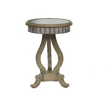 <strong>Pulaski Furniture</strong> End Table