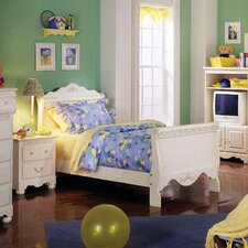 <strong>Standard Furniture</strong> Diana Sleigh Bedroom Collection