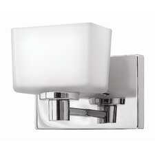 <strong>Hinkley Lighting</strong> Taylor 1 Light Wall Sconce