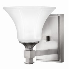 <strong>Hinkley Lighting</strong> Abbie 1 Light Wall Sconce