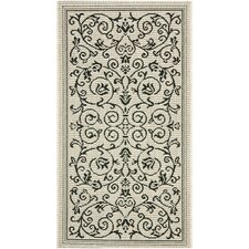 <strong>Safavieh</strong> Courtyard All Over Vine Rug