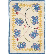<strong>Safavieh</strong> Butterfly Kids Rug
