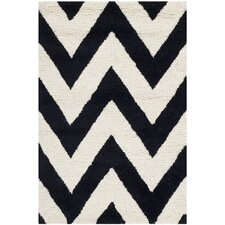 <strong>Safavieh</strong> Cambridge Black / Ivory Rug