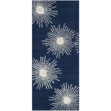 <strong>Safavieh</strong> Soho Dark Blue / Ivory Rug
