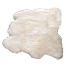 <strong>Safavieh</strong> Sheepskin Rug