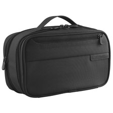 <strong>Briggs & Riley</strong> Baseline Expandable Toiletry Kit