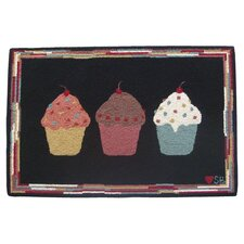 <strong>Susan Branch Home</strong> Cupcakes: 2' x 3' -  Black Rug