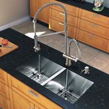"<strong>Vigo</strong> 29"" x 20"" x 9.9"" Double Bowl Kitchen Sink"