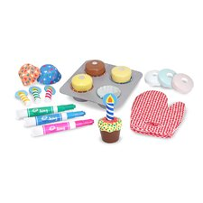 <strong>Melissa and Doug</strong> Bake and Decorate Cupcake Set