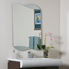 <strong>Decor Wonderland</strong> Sonia Wall Mirror