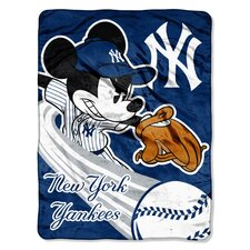 MLB Mickey Mouse Micro Raschel Throw