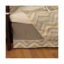 <strong>Hoohobbers</strong> Chevron Crib Skirt