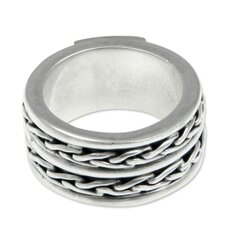 The Putu Putri Men's Sterling Silver Band Ring
