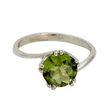 The Alok Jain Sterling Silver Peridot Solitaire Ring