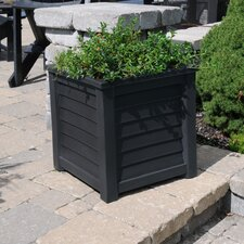 <strong>Mayne Inc.</strong> Lakeland Square Planter