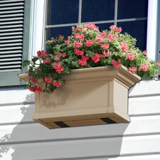 <strong>Mayne Inc.</strong> Yorkshire Rectangular Window Box Planter