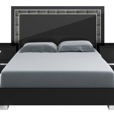 Lustro Panel Bed