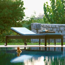 Lotus Stackable Sunbed with Cushion by Varaschin R and D