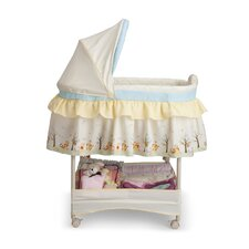 <strong>Delta Children</strong> Disney Pooh Gliding Bassinet