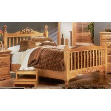 <strong>Bebe Furniture</strong> Country Heirloom Slat Bed