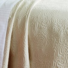 <strong>Caravelle</strong> Matelassé Coverlet Collection