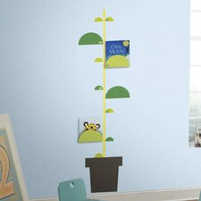One Décor Book Nook and One Décor Peel and Stick Metric Growth Chart