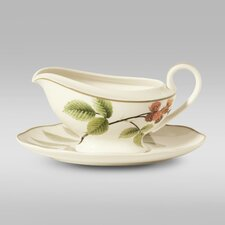 Berries and Brambles Gravy Boat with Saucer