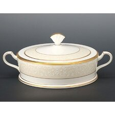 <strong>Noritake</strong> White Palace 64 oz. Covered Vegetable Bowl
