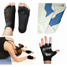 <strong>Stick-E Yoga</strong> Yogi on the Road Travel Bundle with Black Socks & Gloves