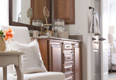 Decorating a Simple, Sophisticated Master Bath