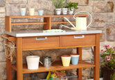 How to Pick the Perfect Potting Bench