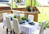 Simple Outdoor Dining Decor
