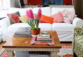How to Decorate with Colorful Accent Pillows