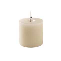 <strong>Pillar Candle</strong>