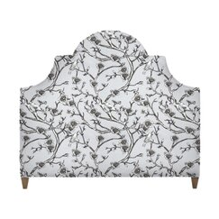 <strong>Ornate Headboard</strong>
